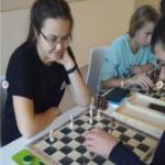 Благодаря нацпроекту «Образование» в школьных шахматных матчах могут принять участие не только спортсмены, но и начинающие любители.